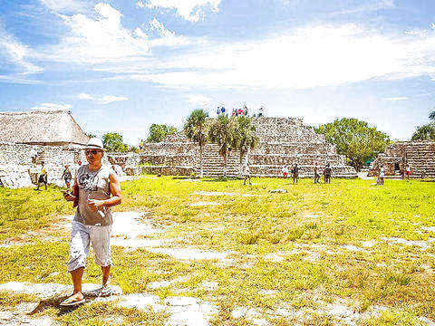 Excursion to the Maya Ruins of Xcambo and Beach Getaway