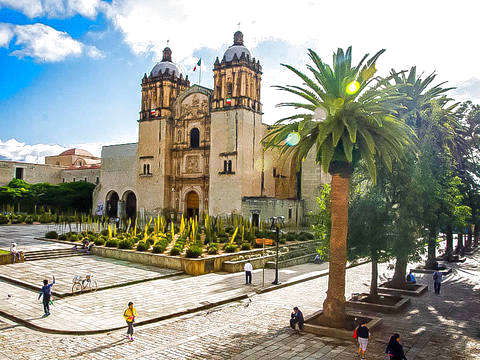 Walk through the Oaxacan City