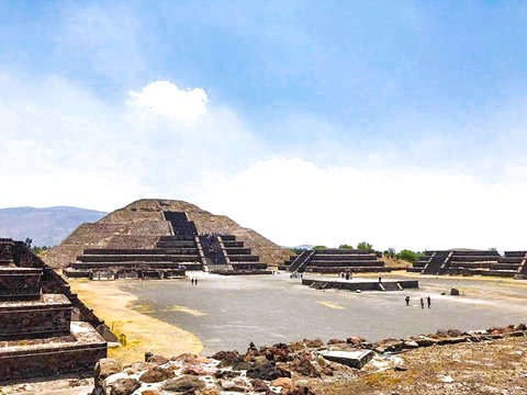 Turitour Pyramids of Teotihuacán