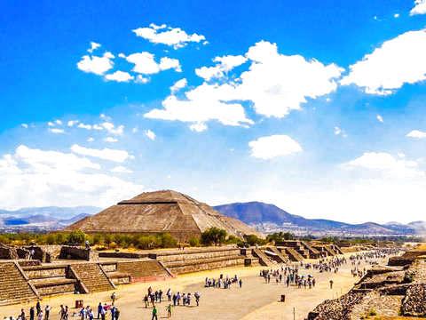 Teotihuacán por la Mañana