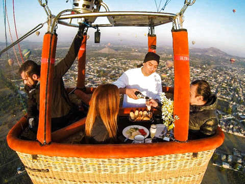 Balloon Flight Teotihuacán With Breakfast