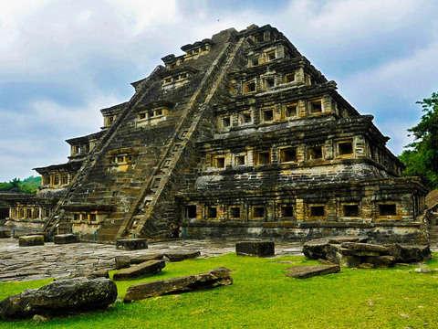 From Veracruz: Excursion to Al Tajín and Vanilla Processing
