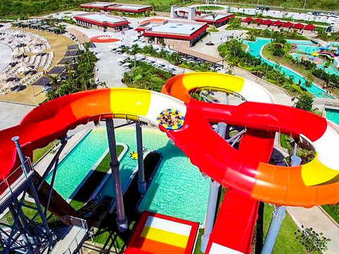 Adrenaline and Fun in Water Park