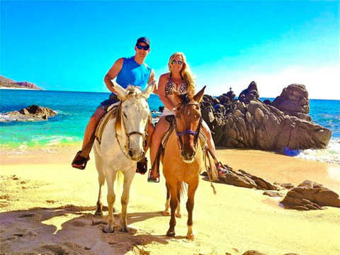 Horseback riding along the Cabos Beaches