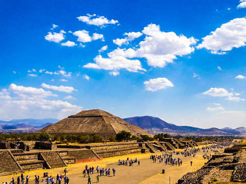 Teotihuacan + Frida Kahlo in One Day