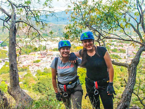 Extreme Rappelling in Malinalco